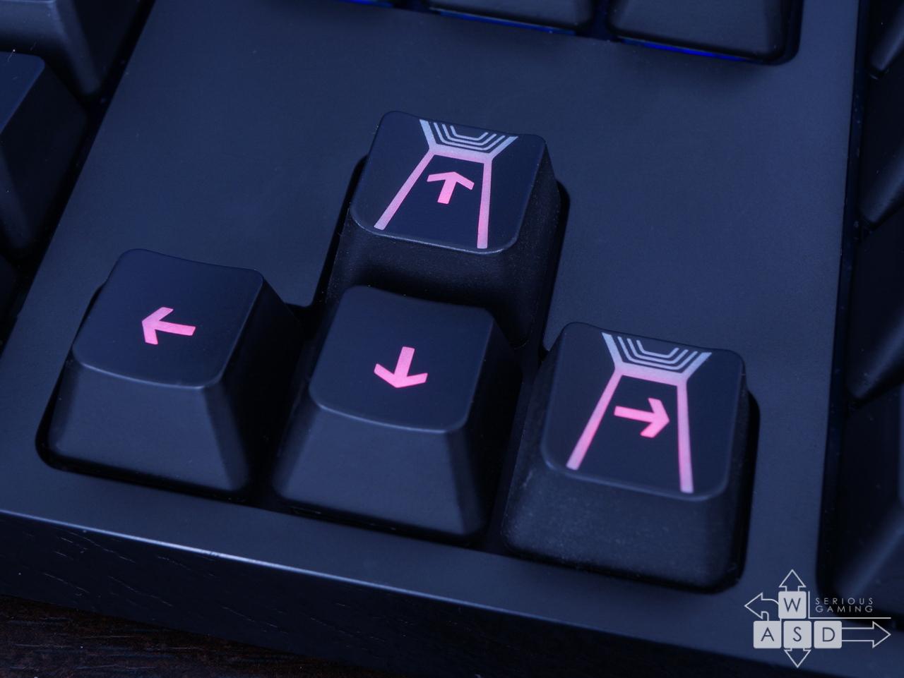 G810 cu doua keycaps de G910