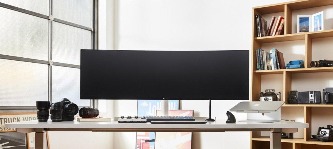 LG prezinta noile monitoarele UltraWide si UltraGear