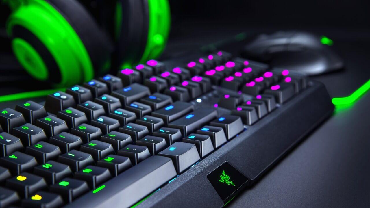 Razer lanseaza 3 periferice accesibile, dedicate gamerilor
