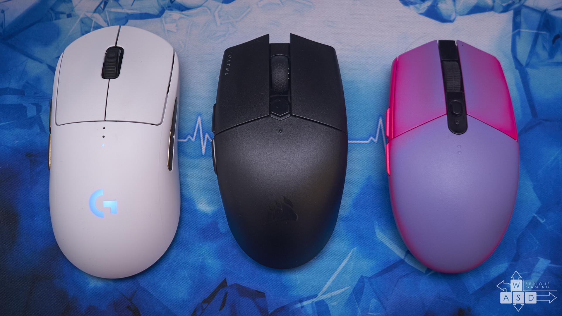 Logitech G Pro Wireless la stanga, Corsair Katar Pro Wireless la mijloc si Logitech G305 la dreapta
