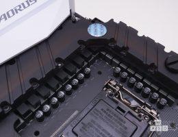Gigabyte Z270 Gaming 9 (6/12)